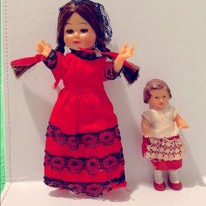 Adorable Vintage plastic set of dolls